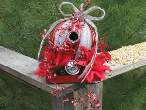 holed up north, birdhouse, ornament birdhouse, cook dollar barn, christmas crafts