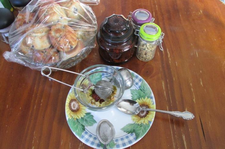 Linden, basswood, lime tree, tea, arthritis, rosehip,